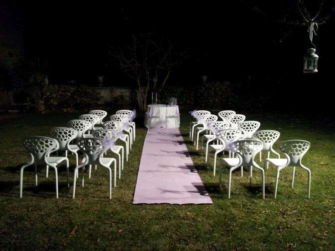 Noleggio sedia supernatural di moroso noleggiodesign for Sedie bianche