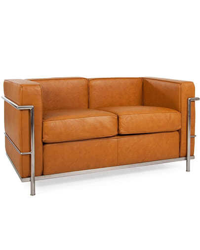 Noleggio divano in pelle cognac vintage per eventi - NoleggioDesign