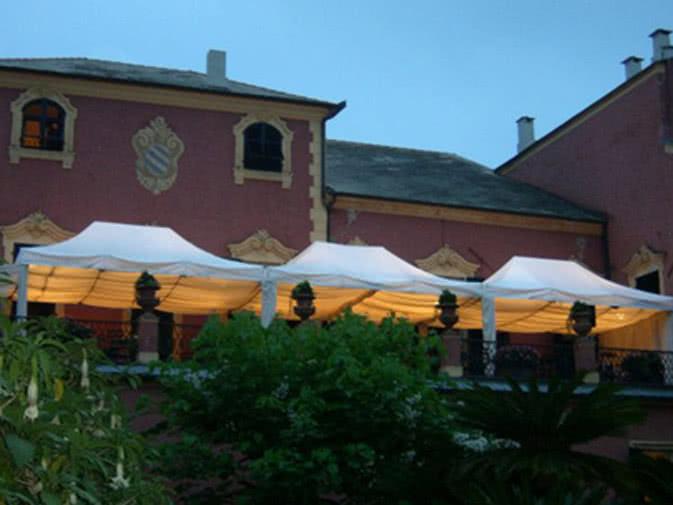 Noleggio gazebo e coperture per eventi a milano for Noleggio arredi per eventi milano