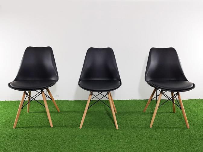Noleggio sedia giada nera imbottita per eventi for Sedia design nera