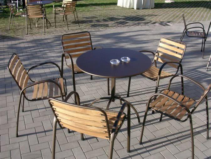 Noleggio tavoli milano noleggiodesign for Tavoli design milano