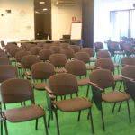 noleggio sedia da conferenza con ribaltina nera