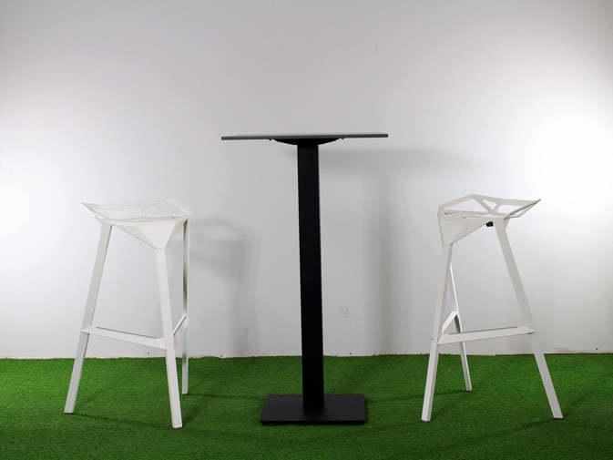 Tavolino alto e sgabelli sgabello e tavolino alto arredamento e