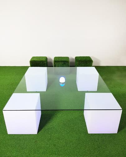 noleggio tavolo basso quadrato componibile
