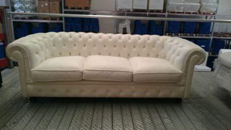 Vendita divani chesterfield in pelle bianca a prezzi di outlet