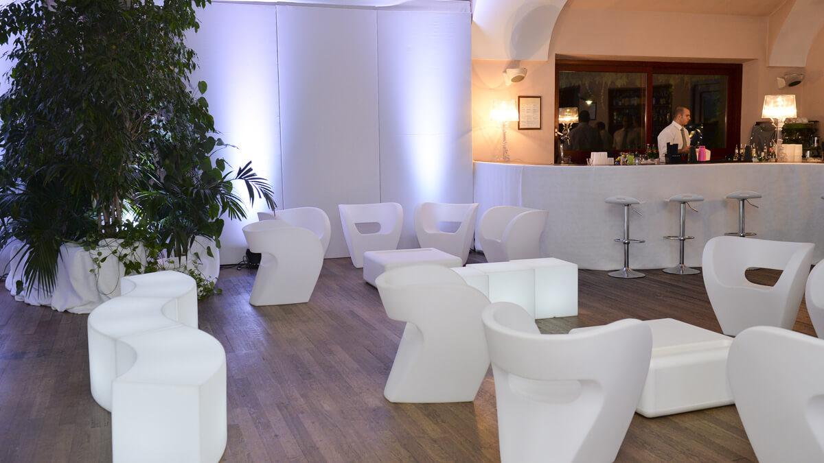 Noleggio arredi per feste private sfoglia la gallery for Noleggio arredi design milano